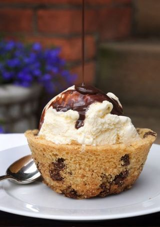 Chocolate Chip Cookie Ice Cream Bowl!